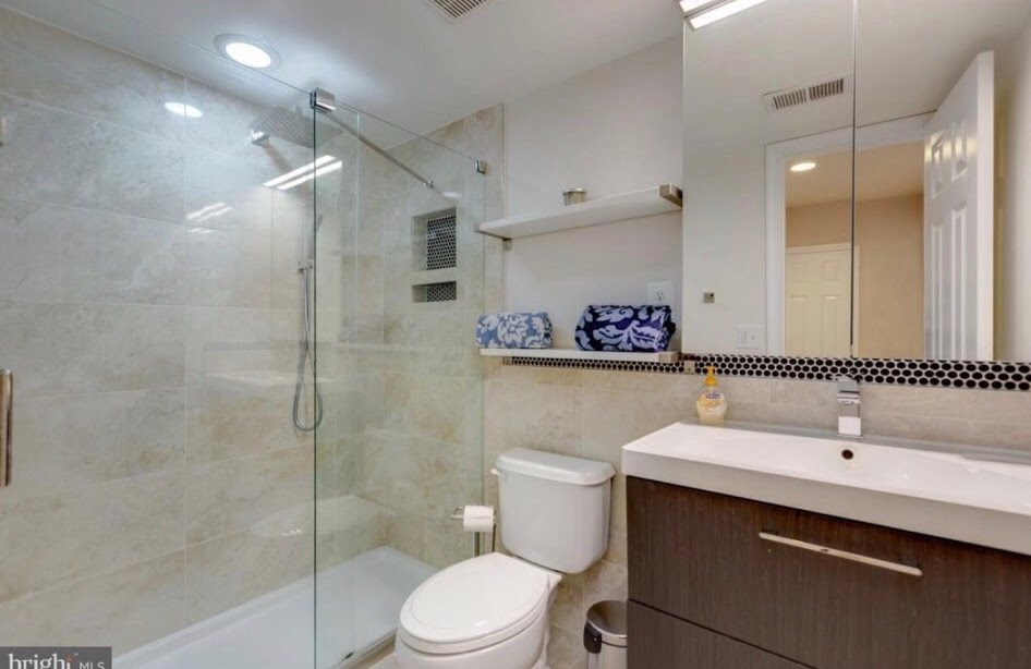 Very Clean and Moving Ready 2 Bedrooms with Full Bath